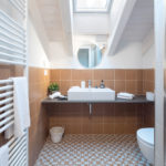 Villa Brunelli - appartamenti Riva del Garda - Lake Garda - Garda Trentino - Italy- large bathroom with shower