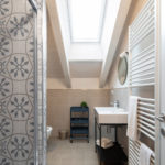 Villa Brunelli - appartamenti Riva del Garda - Lake Garda - Garda Trentino - Italy- large bathroom with big shower